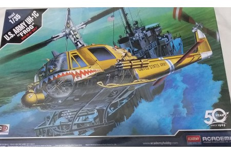 1/35 US ARMY UH-1C FROG