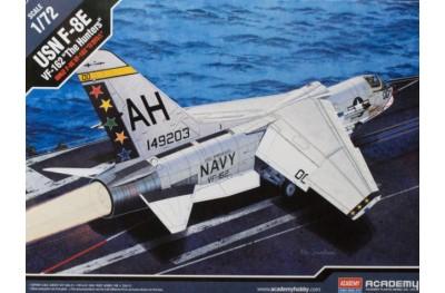 1/72 F-8E Crusader VF-162 Hunters