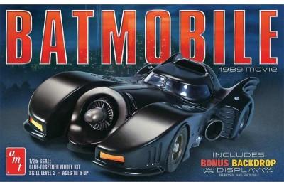 1/25 Batmobile w/ motor and backdrop