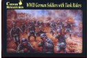 1/72 WWII German soldiers with tank riders
