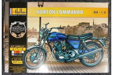 1/8 Norton Commando motorcycle (Kit Complete)