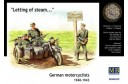 1/35 German motorcyclists letting of steam