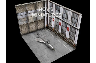 1/144 Soviet hangar set (base and 2 backdrops)