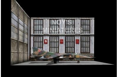 1/48 Soviet hangar set (base and 2 backdrops)