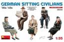 1/35 German sitting civillians