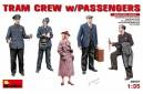1/35 Tram crew with passengers