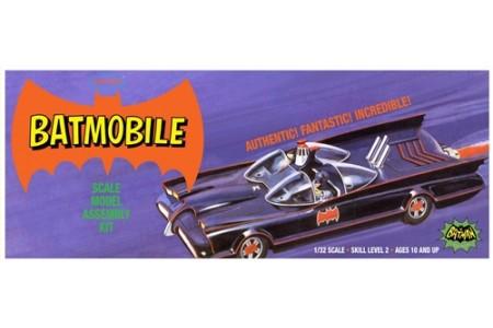 1/32 Classic Batmobile w/ 2 figures
