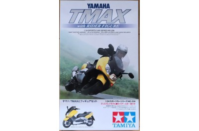 1/24 Yamaha T-max w/ a rider